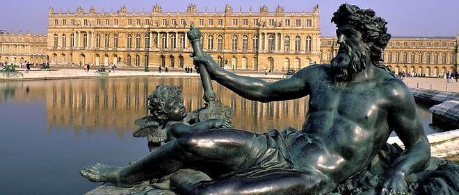 Vue du château de Versailles, depuis toujours convoité par la représentation nationale.