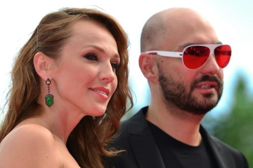 Le metteur en scène Kiril Serebrennikov avec une actrice russe à Venise en août 2012 © Gabriel Bouys AFP/Archives