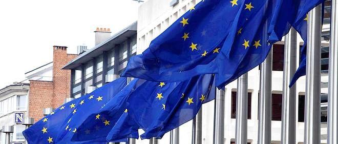 La Commission européenne a commencé à racheter de la poudre de lait pour retirer les excédents qui pèsent sur le marché.