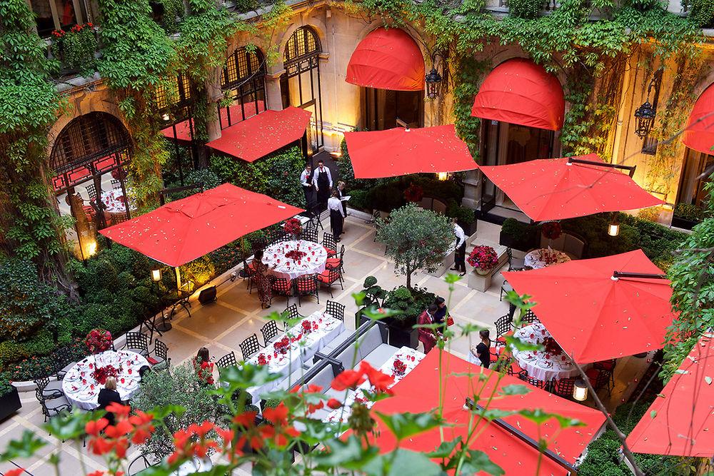 Incroyable Les plus belles terrasses de palace - Le Point AY-83