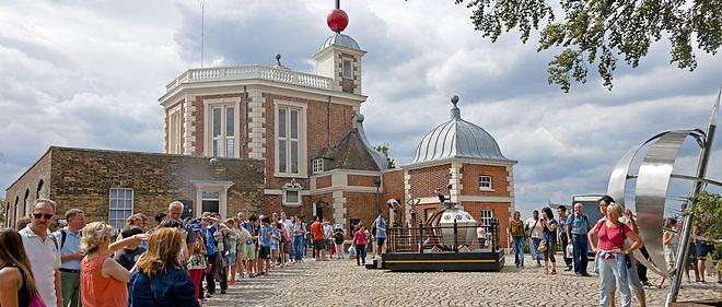 Le méridien de Greenwich est le centre du temps du monde: chaque journée, chaque année ont pour point de départ cette longitude.