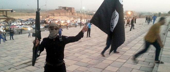 Le groupe djihadiste État islamique (EI) a exécuté en un mois près de 100 personnes, dont un tiers de civils, dans les zones sous son contrôle en Syrie.