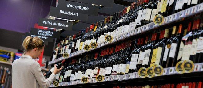 Une foire aux vins dans un supermarché. ©DR