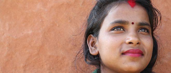 Sunita Badi, 17 ans, mariee, un enfant. Traditionnellement, les filles sont mariees jeunes. C'est parfois un moyen pour eviter qu'elles ne se prostituent.