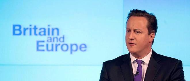 """""""La Grande-Bretagne réagira avec sa tête et son coeur, en donnant de  l'assistance à ceux qui sont dans le besoin tout en travaillant à des  solutions à long terme"""", a déclaré vendredi le Premier ministre britannique."""