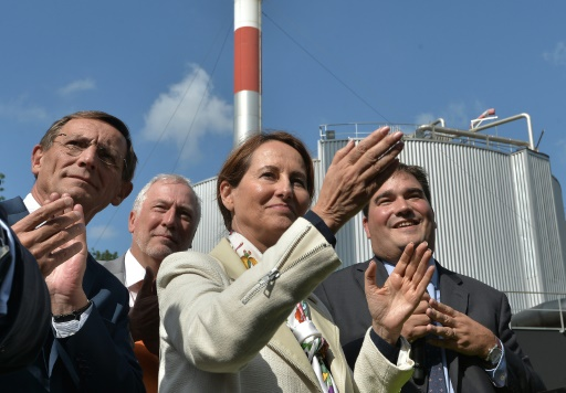 La ministre de l'Ecologie Ségolène Royal inaugure une station d'épuration qui produit du gaz de ville, le 8 septembre, à Strasbourg © PATRICK HERTZOG AFP