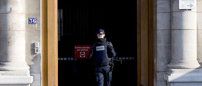 Une opération de prélèvements d'ADN a lieu sur les policiers du 36, quai des Orfèvres, dans le cadre d'une enquête sur le viol d'une Canadienne en 2014.