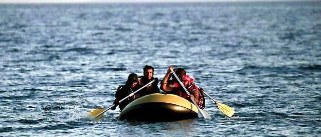 Une consule honoraire en Turquie, propriétaire d'un magasin de ventes d'articles maritimes, vendait des canots aux réfugiés.