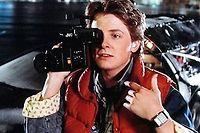 Marty et sa montre calculatrice, un pont temporel entre 1985 et 2015...