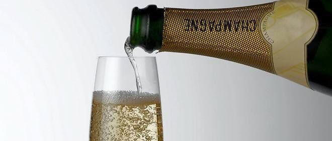 Record Une Bouteille De Champagne Vendue A Prix D Or Le Point