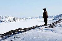 La banquise recouvre la baie de Kimmirut, en Arctique. La disparition progressive de la banquise perturbe les habitudes des communautés locales en même temps qu'elle modifie le climat mondial.