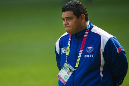L'entraîneur des Manu Samoa Stephen Betham lors d'une séance d'entraînement à Milton Keynes (nord de londres), veille du match du Mondial contre le Japon, le 2 octobre 2015 © Bertrand Langlois AFP