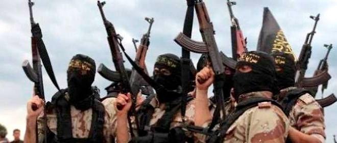 """Le porte-parole de l'EI a affirmé que son groupe """"se renforce chaque jour et continuera à devenir plus fort"""", alors qu'il occupe la moitié de la Syrie et de vastes régions d'Irak."""