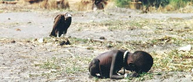L'extrême pauvreté d'une famine au Soudan en mars 1993.