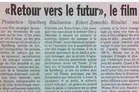 Critiques du Figaro (à gauche) et de Libération (à droite) parues le 30 octobre 1985, jour de sortie de Retour vers le futur.