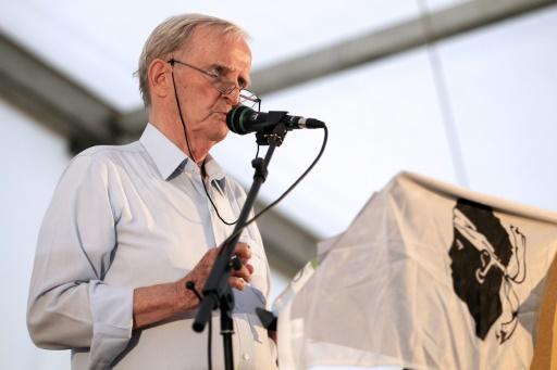 Edmond Simeoni, père du renouveau du nationalisme insulaire, à Aléria le 22 août 2014 © Pascal Pochard-Casabianca AFP/Archives