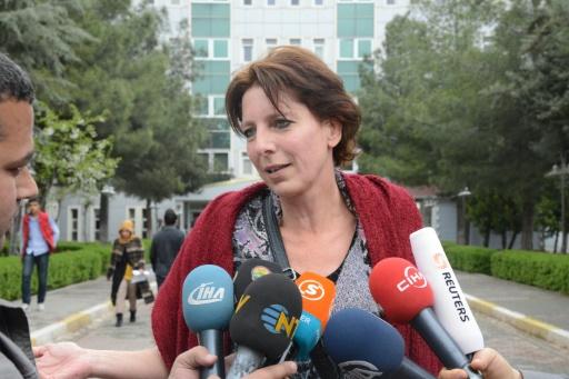 Frederike Geerdink, une journaliste néerlandaise indépendante sommée de quitter le pays à cause de son travail dans le sud-est à majorité kurde, le 13 avril 2015 à Diyarbakir, dans le sud de la Turquie © Ilyas Akengin AFP/Archives