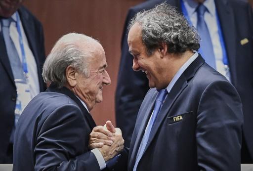 Le président de la Fifa Joseph Blatter et son homologue de l'UEFA Michel Platini, le 29 mai 2015 à Zurich © Michael Buholzer AFP/Archives
