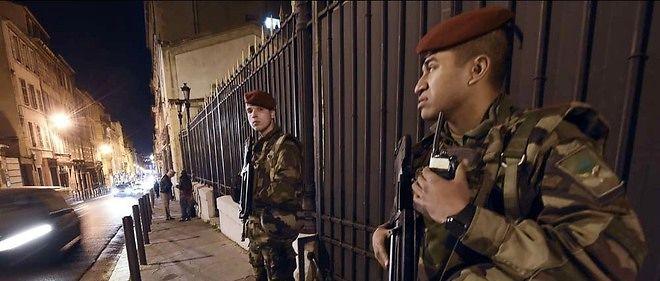 Synagogue protégée par des militaires à la suite des attentats de janvier 2015. Image d'illustration.