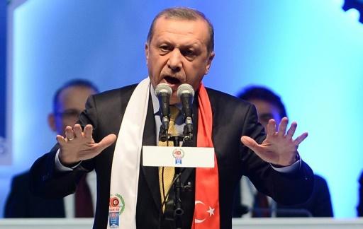Le président Recep Tayyip Erdogan lors d'un meeting le 22 octobre 2015 à Ankara © ADEM ALTAN AFP