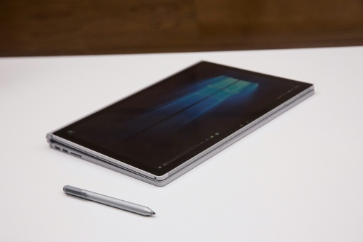 Une tablette Surface Book de Microsoft, le 6 octobre 2015 à New York © Andrew Burton GETTY IMAGES NORTH AMERICA/AFP/Archives