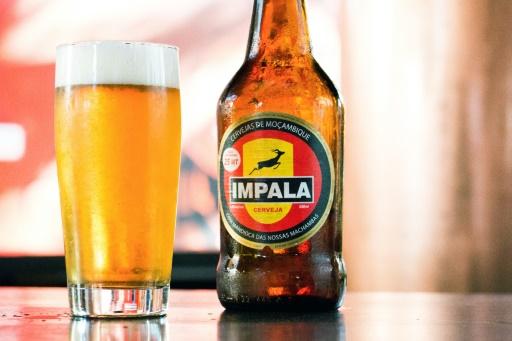 Une bouteille d'Impala, bière au manioc © ADRIEN BARBIER AFP/Archives