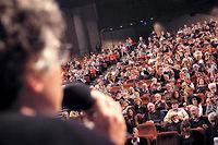 Le philosophe Michel Onfray lors d'un cours donné à l'ouverture de l'Université populaire de Caen, à Hérouville-Saint-Clair, ici en 2010. ©CHARLY TRIBALLEAU