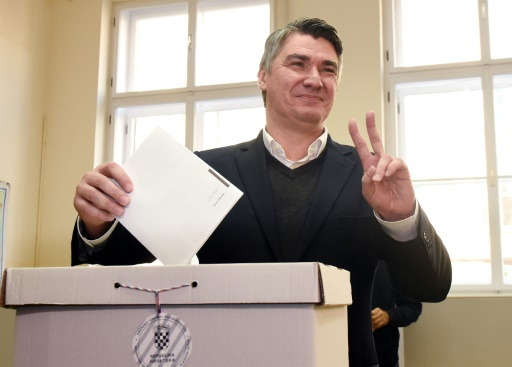 Le Premier ministre croate Zoran Milanovic, le 8 novembre 2015 à Zagreb © STR AFP