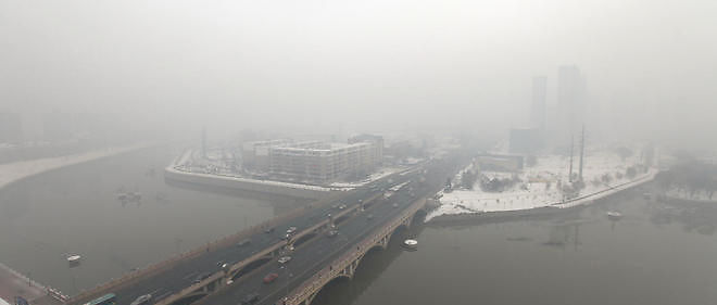 Brouillard de pollution dans le nord-est de la Chine le 8 novembre 2015. Image d'illustration.