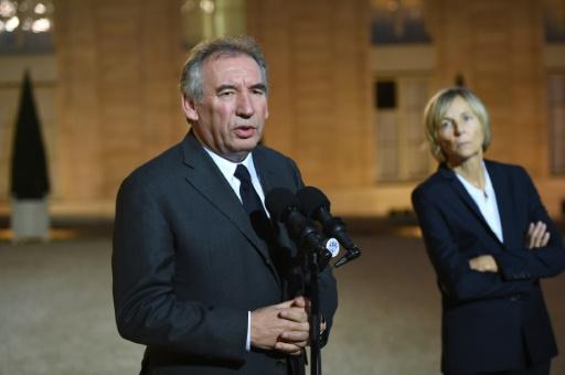 François Bayrou, président du Modem, et la vice-présidente du parti, Marielle de Sarnez, à l'Elysée, le 15 novembre 2015 à Paris © STEPHANE DE SAKUTIN AFP