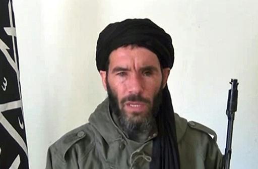 Capture d'écran d'une video en date du 16 janvier 2013 de l'agence mauritanienne ANI, montrant Mokhtar Belmokhtar dans un endroit non identifié © - ANI/AFP/Archives