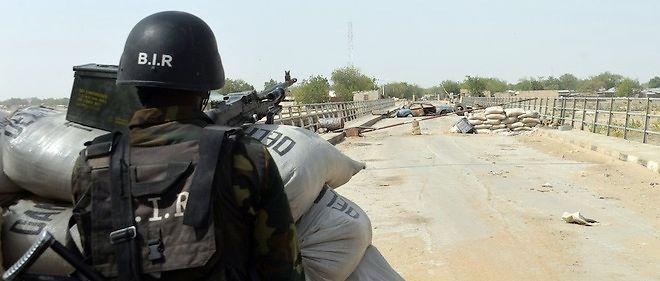 Un soldat de l'armée camerounaise en poste pour lutter contre les djihadistes de Boko Haram. Photo d'illustration.