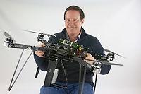 Lauren Fletcher compte planter 3 600 arbres par jour à l'aide de drones.