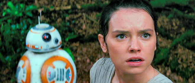 Daisy Ridley, la nouvelle Leia, est très bien, tout commeBB-8, le nouveau droïde qui a résolu le problème de locomotion de R2D2.