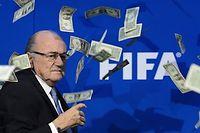 Sepp Blatter n'apprécie pas la façon dont il est traité par les médias suisses. ©FABRICE COFFRINI