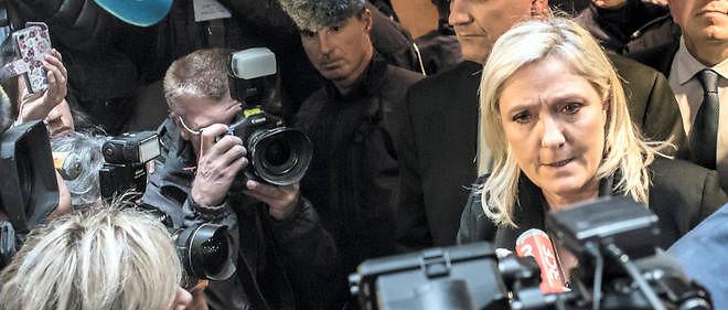 Quand le Front national, le 6 décembre dernier, s'est retrouvé aux portes du pouvoir régional,quatre millions d'électeurs supplémentaires se sont rendus aux urnes le dimanche suivant, dont les trois quarts pour dire simplement « non » au FN et aux Le Pen.