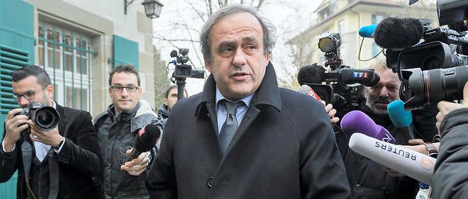Le président de l'UEFA, Michel Platini, est suspendu temporairement jusqu'au 5 janvier.