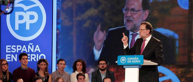 Mariano Rajoy, en meeting, espère capter le vote des séniors. Image d'illustration.