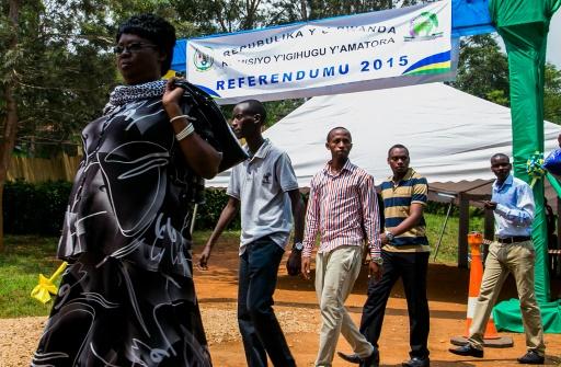 Des électeurs rwandais à Kigali le 18 décembre 2015 © CYRIL NDEGEYA AFP