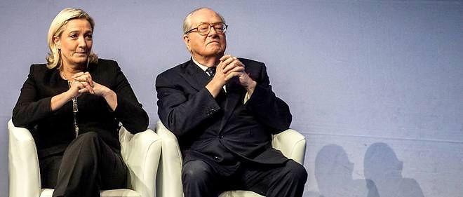 Jean-Marie et Marine Le Pen sont accusés d'avoir sous-évalué leur patrimoine.