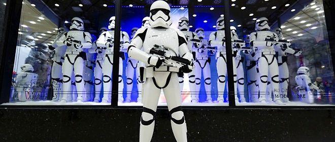 """Le Vatican a livré une critique acerbe de """"Star Wars VII. Le Réveil de la Force""""."""