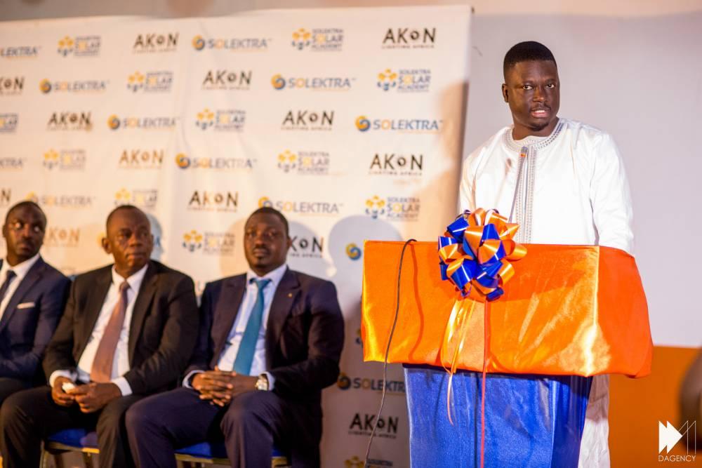 Thione Niang fait son discours ce mardi 15 décembre lors de l'inauguration de la Solektra Solar Academy, premier centre de formation dédié au solaire à Bamako, au Mali.  ©  David Monfort Dagency