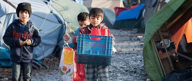 2 500 personnes vivent actuellement dans le camp de réfugiés de Grande-Synthe dans des conditions sanitaires alarmantes. Parmi elles, de nombreux enfants.