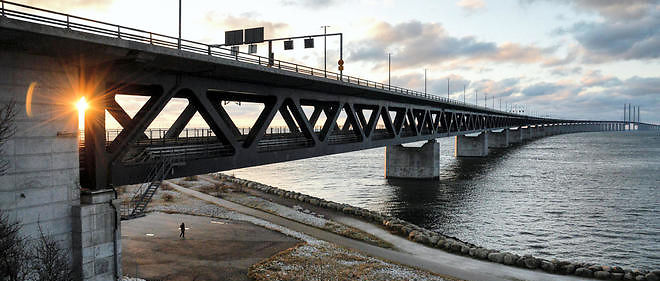 Le pont Oresund entre la Suède et le Danemark. Les autorités ont rétabli les contrôles d'identité pour juguler l'afflux de migrants sans papiers.