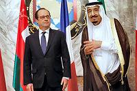 François Hollande et le roi Salmane d'Arabie à Riyad, le 5 mai 2015. ©CHRISTOPHE ENA
