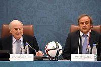 Blatter et Platini le 25 juillet 2015. Les deux hommes ont été suspendus pour 8 ans de toute activité liée au football le 21 décembre. ©MARCUS BRANDT