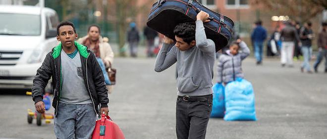 Les demandeurs d'asile en Suisse doivent remettre aux autorités tous les biens valant plus de 1 000 francs suisses (913 euros) à leur arrivée sur le territoire helvétique, ont indiqué jeudi les autorités.