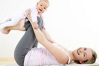La rééducation du périnée est nécessaire pour les femmes après un accouchement afin d'éviter les fuites urinaires.