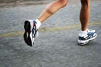 Si vous souhaitez perdre du poids, agissez d'abord sur le levier alimentaire et complétez votre régime par une activité physique régulière en privilégiant les sports d'endurance. ©Galina Barskaya