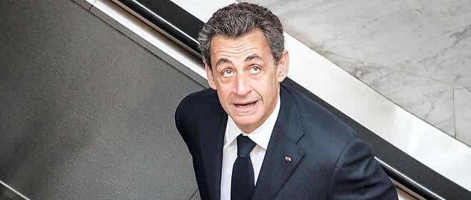 """120 000 exemplairesdu livre """"La France pour la vie"""" de Nicolas Sarkozysont disponibles à la vente depuis lundi 25 janvier."""